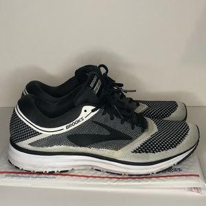 Brooks REVEL Running Gym Mens Sneaker Black/Gray